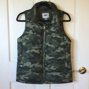 Old Navy Camo Puffer Vest ~XS~